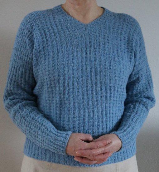 """Blusen """"Bettinna"""" strikkes i det lækre UNO strikkegarn"""